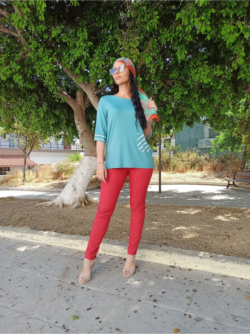 Παντελόνι ελληνικής ραφής μονόχρωμο πεντάτσεπο με κουμπί κόκκινο